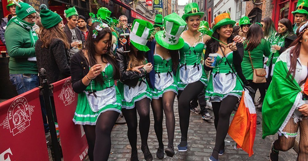 irish vs american dating Besides the accent, what is different about irish men from american men i dont mean that you have irish background, i mean full irish men do irish men act differently toward their loved one than american men.